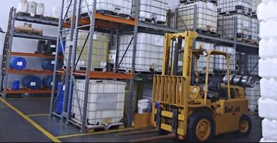 Fábrica de produtos químicos de limpeza